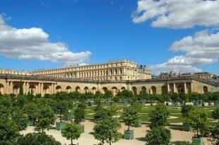 extravagant gardens